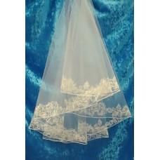 Фата с вышивкой, стразы  Размер полотна : 1,35 метра Цвета:  айвори  №3210.455