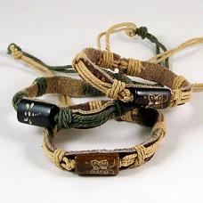 Браслет плетёный, кожаный, с украшением из керамики в ассортименте, выберите цвет обмотки, 1 штука №2456.25