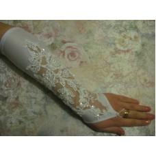 Перчатки белые  с бисером и пайетками (длина до локтя) 4 №81.450