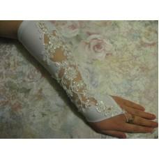 Перчатки белые с бисером и пайетками (длина до локтя) 4 №82.540