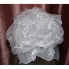 Бант белый с блестками, бусиной на резинке D:18см №63.60