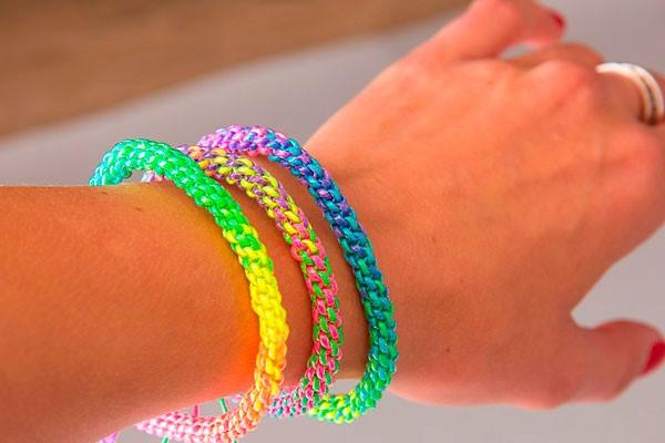 Как плести браслеты из пластиковых трубочек
