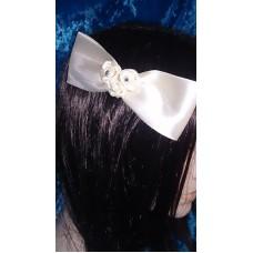 Гребешок в волосы SvetikFantasy, Бантик,розочки, стразы  Цвет: айвори, белый  №4380.135