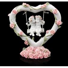 "Сувенир ""Два ангелочка на качелях в сердце с венком из роз №6154"