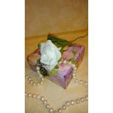 Цветочек на стебле латекс №6305