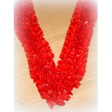 Лента на капот галочка  атлас цвет: красный (ширина 19см) №547.224