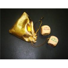 """Набор из 2-х кубиков """"Любовный"""", в мешочке золото Размер кубика: 3см №230.106"""