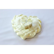 Подушечка для колец Сердце со шкатулкой Цвета: айвори №1535.215