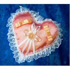 Подушечка для колец Сердце персиковая с белым 22см №807.76