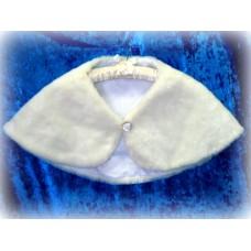 Накидка с белыми жемчужинами на пуговице  цвет:молоко размер:Free Size №1399.1350